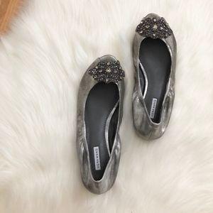 Vera Wang flats sz:5.5 metallic sandals new comfy